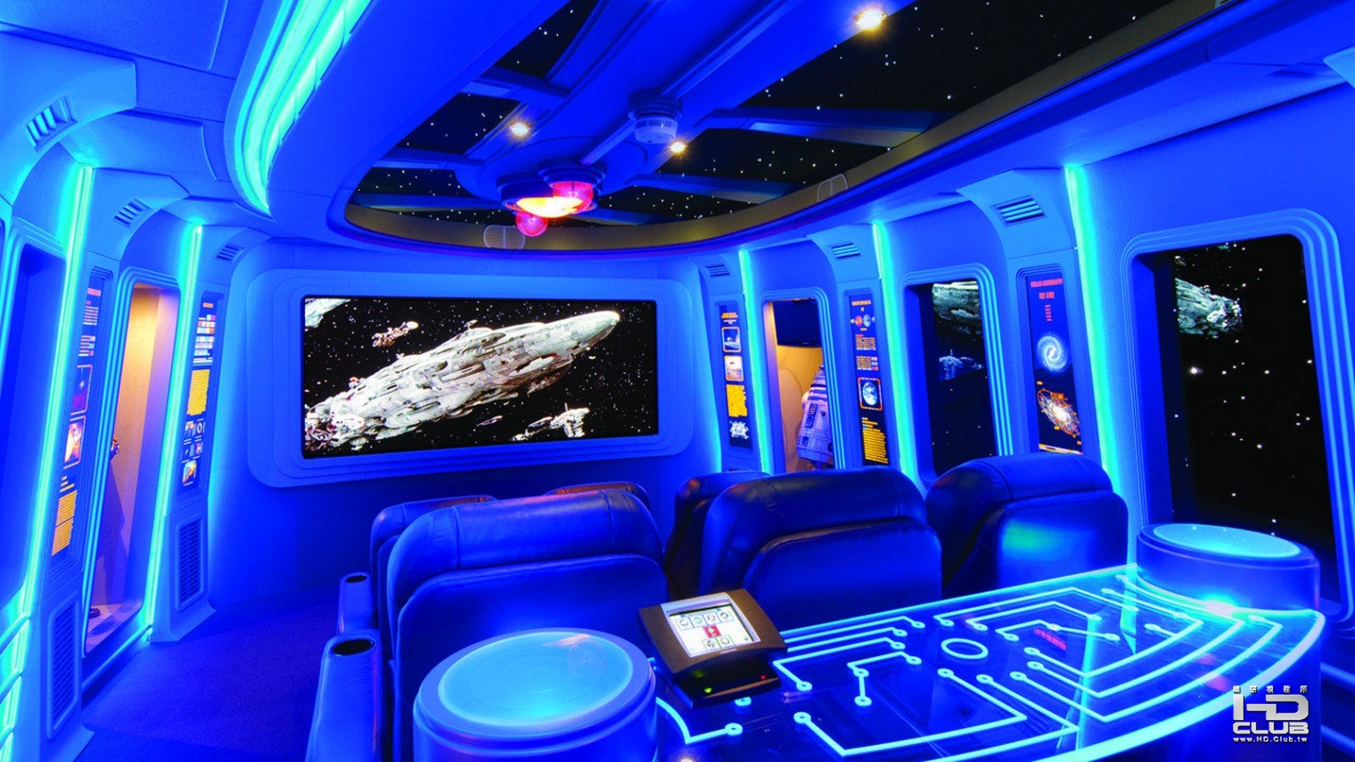 7_Star Wars-themed home theater