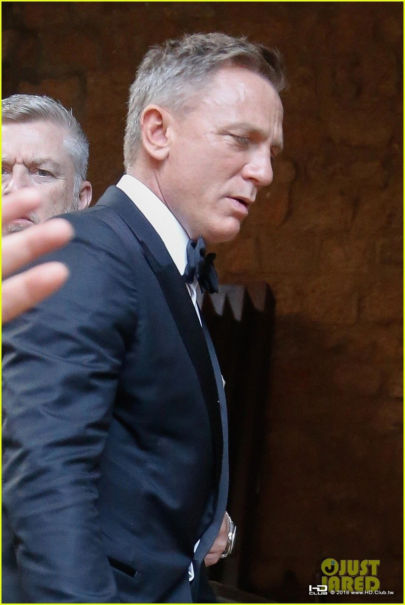 daniel-craig-james-bond-set-photos-02.jpg