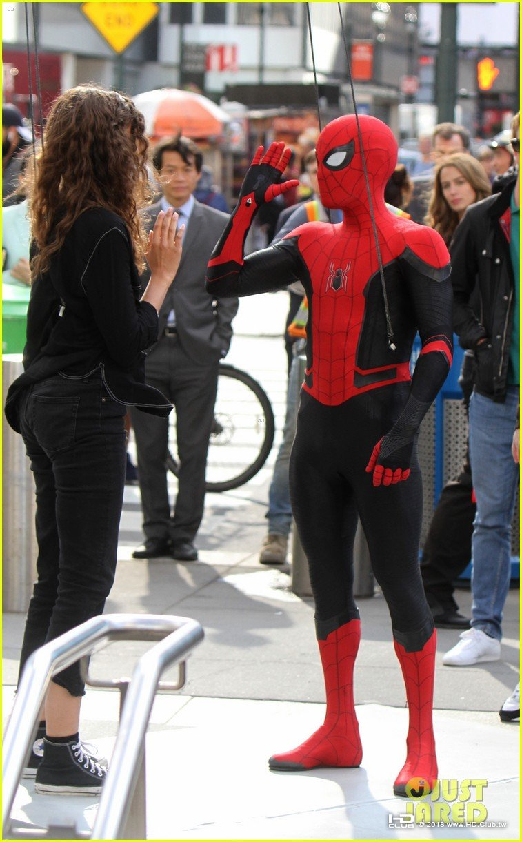 tom-holland-dons-spider-man-far-from-home-costume-while-filming-with-zendaya-in-nyc04.jpg